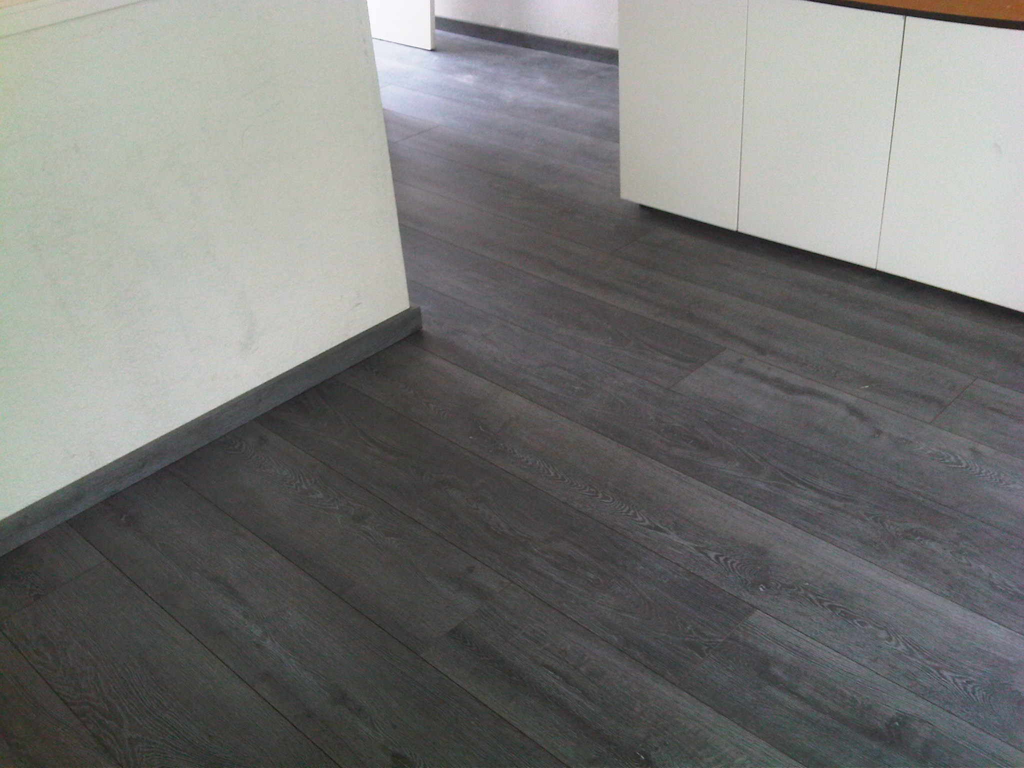 Laminaat vloeren service - Verf kleur voor donkere gang ...