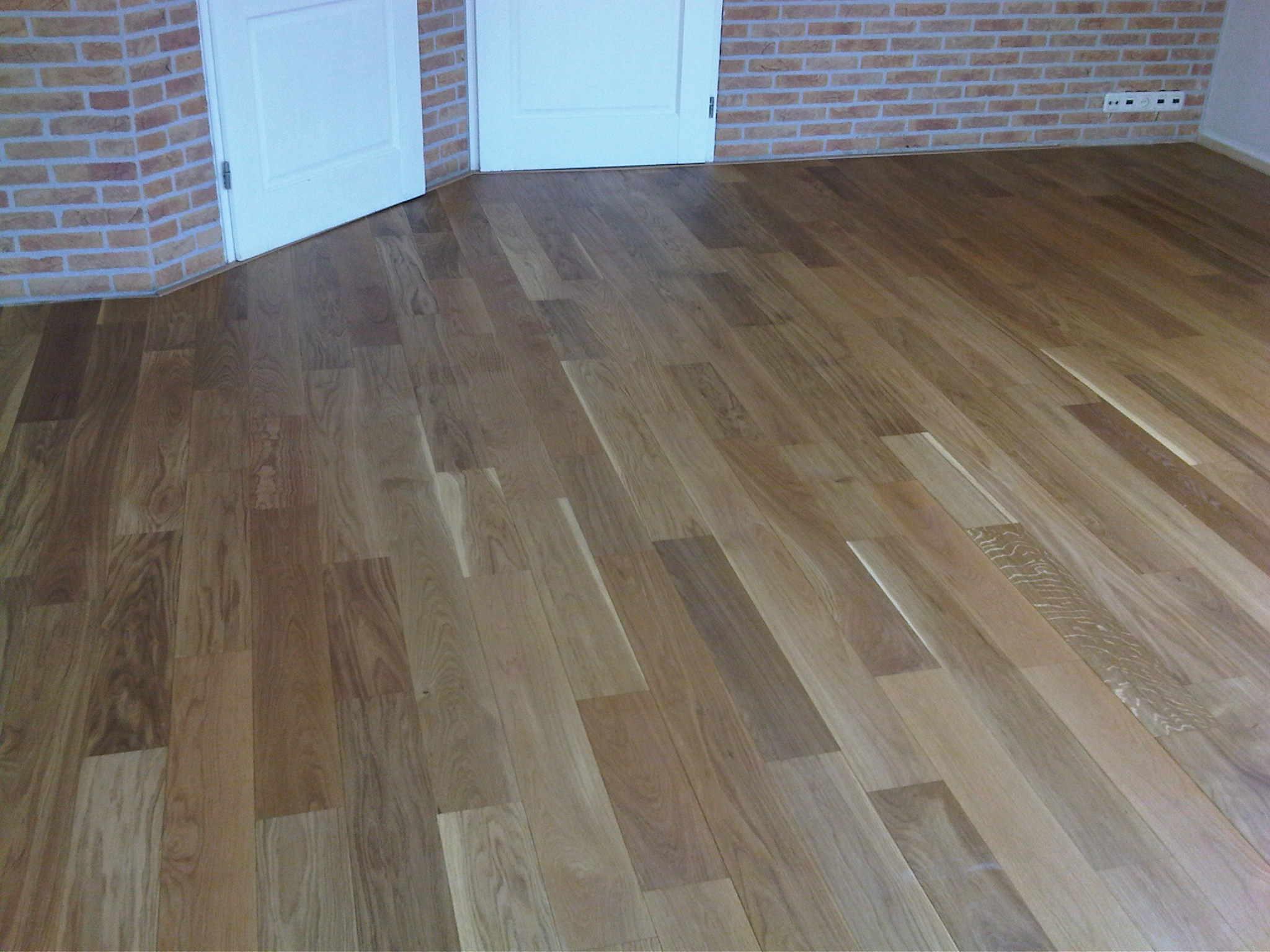 Vers houten vloer polijsten badkamermeubels ontwerpen
